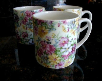 3 Chintz cups - Antique - Small