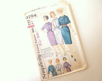 Uncut Vintage 1950's Day Dress Sewing Pattern, Simplicity 3754, Bust 36 Inches, Size 16
