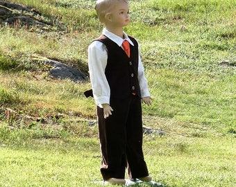 Fall ring bearer.Boys corduroy suit. Boys dark brown suit. Ring bearer outfit.Rustic wedding outfit.Fall wedding.Boys birthday suit.