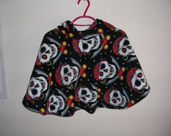 Fleece Poncho with hood in Pirate design