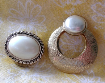 Pair of gorgeous vintage scarf clips faux mother of pearl