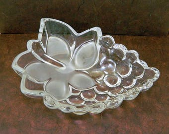 Grape Cluster and Leaf Glass Serving Bowl
