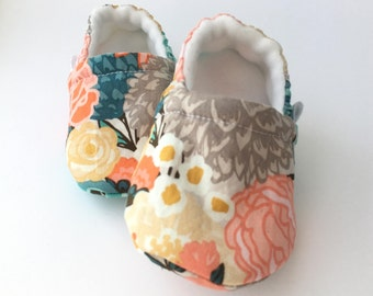 Floral Baby Booties, Baby Shoes, Baby Slippers, Baby Booties, Baby Moccs, Soft Sole, Baby Gift, Baby Booty