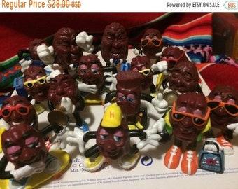 SALE SALE SALE 16 raisin men vintage 1980s