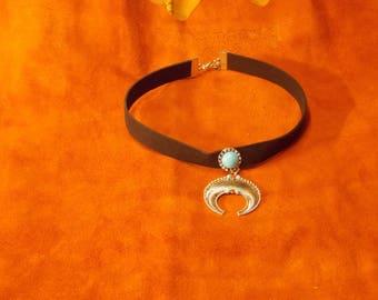 Velvet choker with pendant