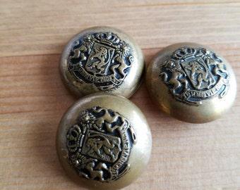Vintage gold lion crest buttons. Lot of 3. (Feb10)