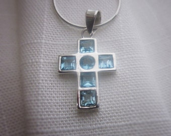 Brilliant, Blue Topaz Gemstone, Silver Pendant Necklace