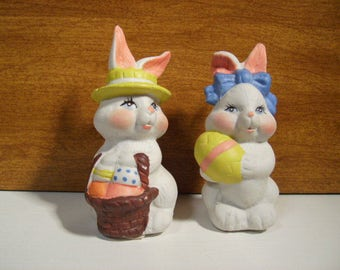 Bunny Bunnies w/Eggs 2 pc Set Easter Hand Painted  n106