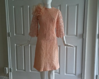 1960's Lace Bell Sleeve peach dress