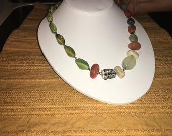 Multimedia fall necklace
