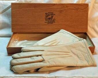 Vintage 1960s Winter Off White Bachner Deerskin Gloves in Original Box with Tags Made in USA