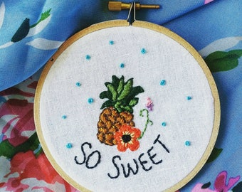 Pineapple embroidery hoop, fiber art, hand-embroidered fruit, tropical theme, piña, ananas, handmade decor, home decor, so sweet, 4 inches
