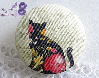 Cat image cloth button, 32 mm / 1.25 in diameter