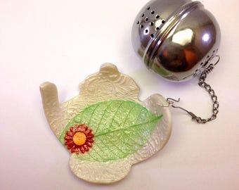 Support for handmade tea ball