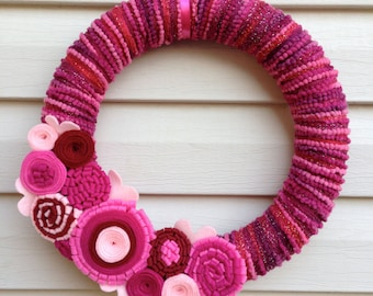 Valentine's Day Wreath - Pink Wreath - Yarn  Wreath - Felt Flowers - Valentine's Day Flower Wreath - Heart Wreath - Felt Wreath -Vday Wreath