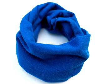 Blue baby infinity scarf, Cobalt flannel scarf for toddler, Cobalt blue baby cowl, Baby photo prop, Blue baby scarf with snaps, Winter scarf