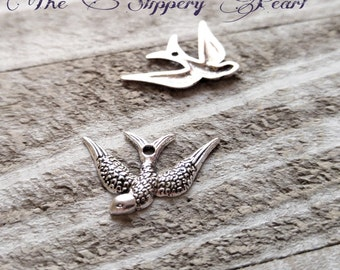 Bird Pendants Sparrow Charms Pendants Swallow Left Facing Bird Antiqued Silver Bird Charms Animal Charms 10 pieces Rockabilly Charms