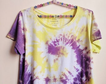 Upcycled t-shirt, Tie Dye t-shirt, Festival t-shirt, Beach t-shirt, Holiday t-shirt, Cropped t-shirt, Tiedye crop