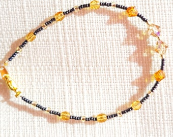 Yellow ochre bracelet and anthracite