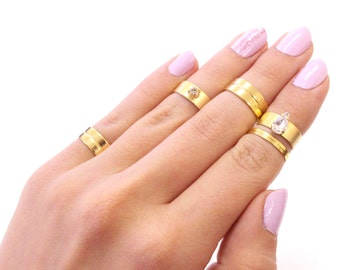 Galisfly Candy Swarovski Crystal Gold Rings Box - Stack Gold Knuckle rings and Gold Midi Rings