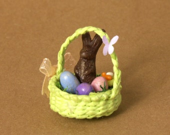 Green Miniature Easter Basket for Your Dollhouse