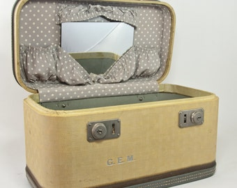 Vintage Wheary Train Case, Vintage Wheary luggage