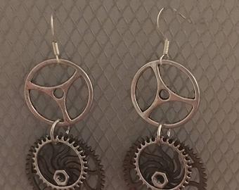 Steampunk gear earrings 2
