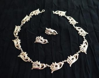 Danecraft – Vintage Signed Sterling Silver Floral Necklace & Earrings