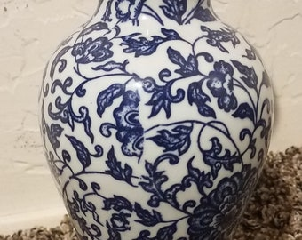 Blue and White Floral Vase Flowers Vines Leaves Design Decoration