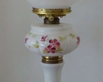 Beautiful 3 Teir Hand Painted Glass Font Parlor Oil Lamp