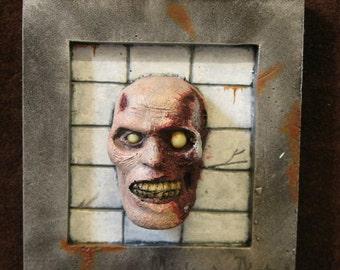 Frame mini horror zombie trophy