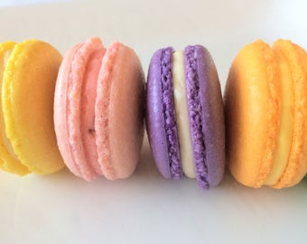 18 assorted French Macarons