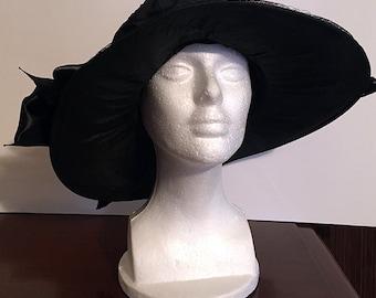 1920s Black Wide-Brim Silk and Velvet Woman's Hat