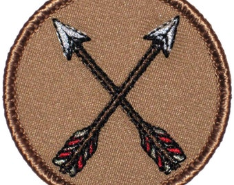 Crossed Arrows Patch (360) 2 Inch Diameter Embroidered Patch