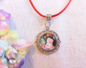 10 Princess Snow White Necklaces Party Favors.