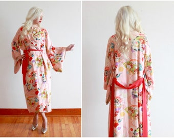 1940s kimono robe | pink floral rayon Japanese 40s wrapper dressing gown | one size