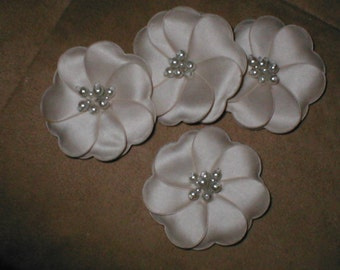 lot of 4...Flower appliques white or ivory