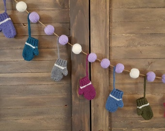 16 mittens, a garland in cool colors