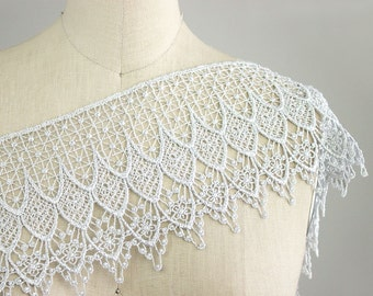 New Color! Julietta Large SILVER Victorian Delicate English Dangle Lace Trim / Wedding Dress Lace / Lace Crowns / Craft Cabaret