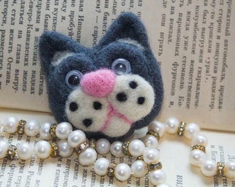 Cat brooch. Handmade brooch. Felt brooch. Wool brooch. Women's accessories.  Felted Miniature Cat. Felted Cat. Eco Friendly