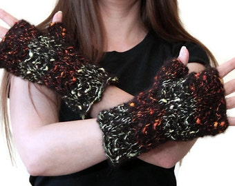 FINGERLESS GLOVES Short Black Arm Warmers by Solandia, Wristlets, Hand Knit Armwarmers, spring gloves, iphone gloves