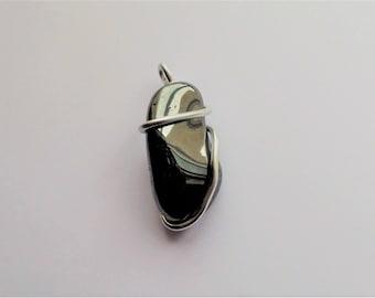 Hematite and aluminum 5 cm pendant