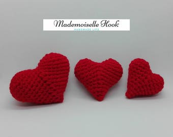 Set of 3 hearts in red crochet volume
