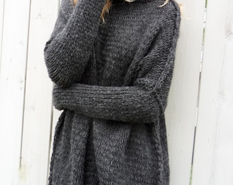 Oversized/ Slouchy/ Chunky knit sweater. Alpaca blend sweater. Thumb holes knit sweater.