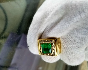 David Webb 18k Gold Natural Columbian Emerald Diamond Ring