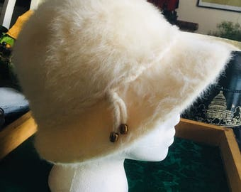 Vintage 50s Womens Cloche Hat for all occasions