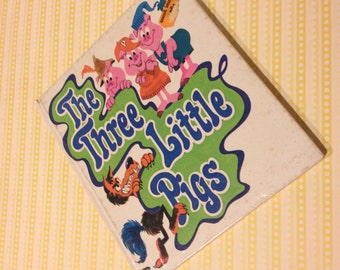 1969 Three Little Pigs Book Vintage children's book