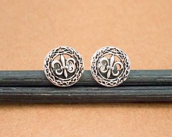 1 pair of 925 Sterling Silver Fleur De Lis Stud Earrings 8mm.  :er1117
