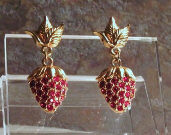 Avon Strawberry Sparkle Earrings - Red Berry Earrings - Goldtone and Ruby Rhinestone Post Dangle Earrings - Vintage 1993