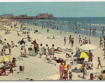 Beach Scene People Wildwood By the Sea New Jersey postcard